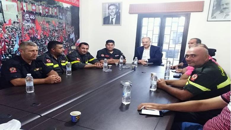 عبدالله يستقبل وفداً من متطوعي الدفاع المدني ويؤكد دعم مطالبهم
