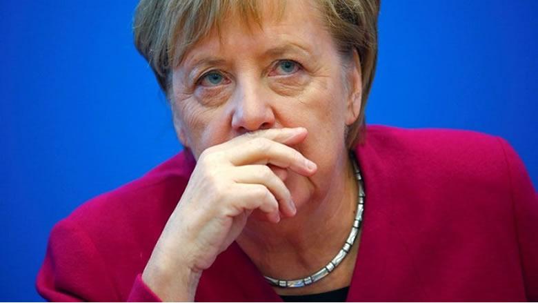 ميركل: الاتحاد الأوروبي قلق من الوضع الخاص بإيران ويؤيد الحوار