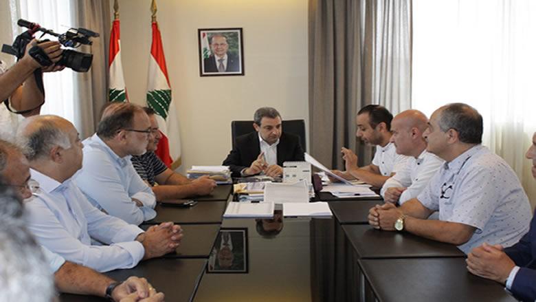 أبو فاعور: اضمحلال اليد العاملة في قطاعات صناعية نتيجة غياب دعم الدولة