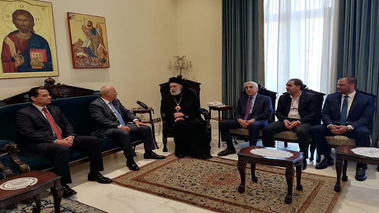 """""""التقدمي"""" يزور المطران عودة... والعريضي: كل اللبنانيين تحت القانون"""