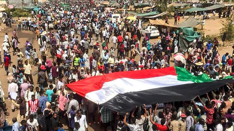 هل ينجح الاتفاق السوداني في نقل الحكم من العسكر الى النظام الديمقراطي؟