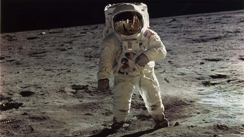 جنبلاط: لسنا من رواد الفضاء كالبعض... إحترموا العقول!