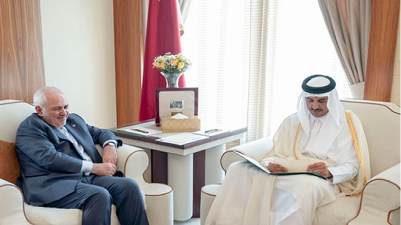 ظريف يسلم أمير قطر رسالة خطية من روحاني