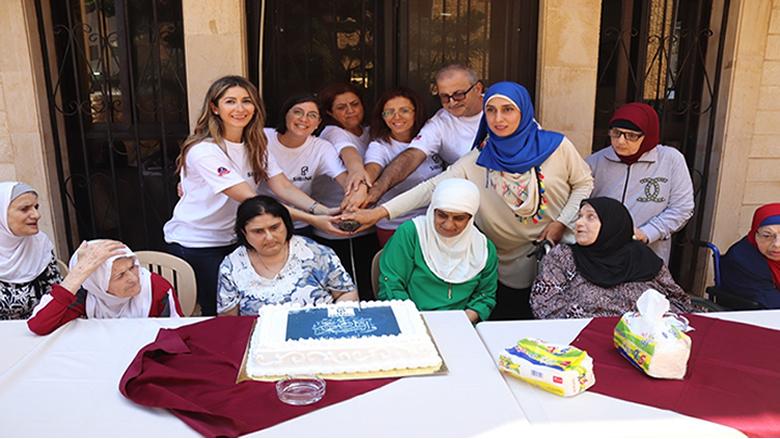 احتفال لترابة سبلين بعيد الاضحى مع المسنين في دار العطاء-الجية