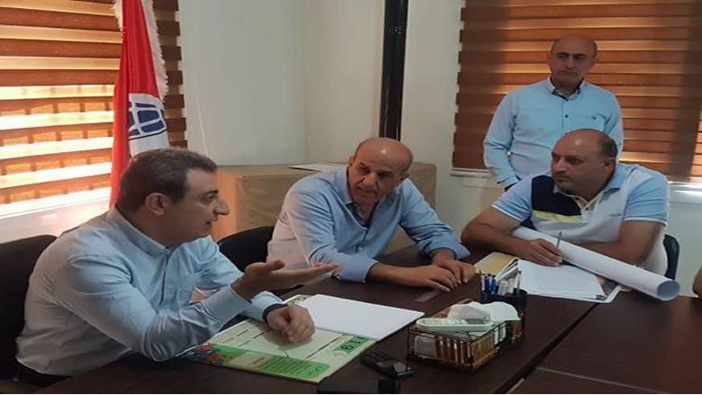 أبو فاعور خلال متابعته مشروع مياه عين الزرقاء مع البلديات : الاولوية اليوم للموضوع الاقتصادي والمالي.