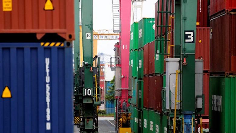 ارتفاع الفائض التجاري الياباني مع الولايات المتحدة قبيل المفاوضات