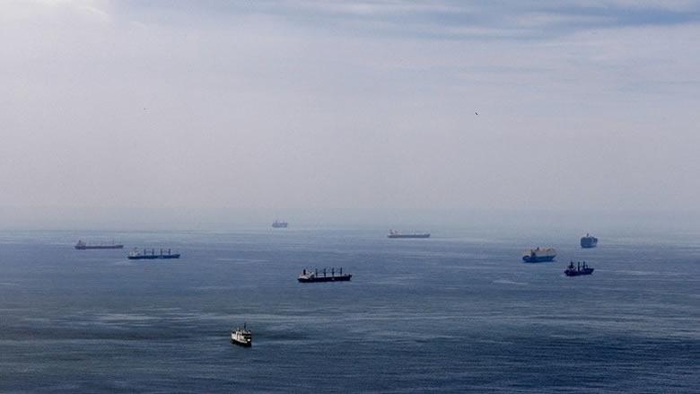 ترامب يفكر بفرض حصار بحري على فنزويلا