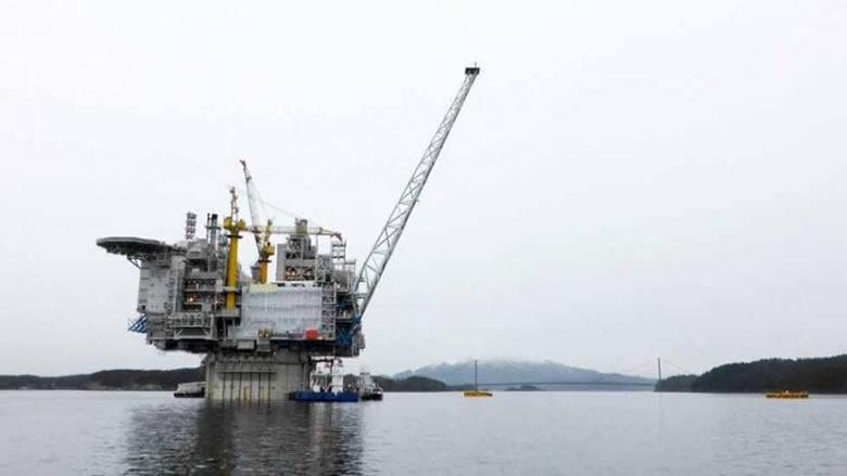 النفط يتعافى بعد هبوطه بفعل الرسوم الأميركية على بضائع صينية