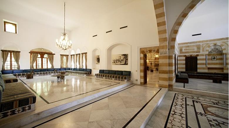 جلسة مرتقبة للحكومة في الشوف... بانتظار عودة الحريري