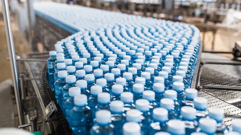 دراسة حول مياه الشرب المعبأة بزجاجات البلاستيك