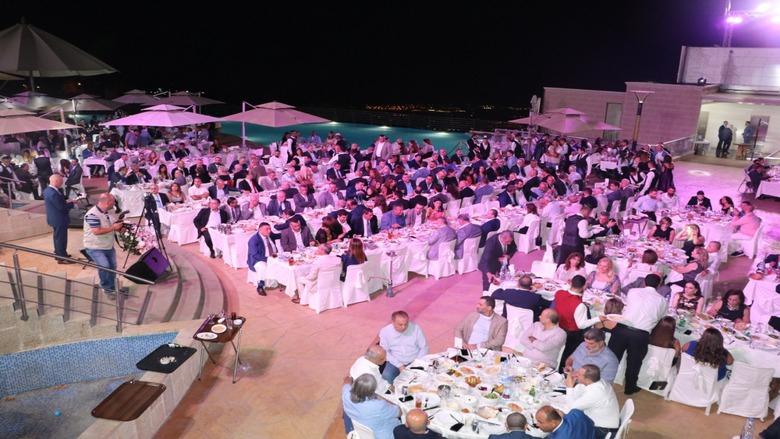 """أبو الحسن في عشاء """"الخريجين التقدميين"""": لإستكمال عملية الإصلاح من القضاء إلى الكهرباء"""