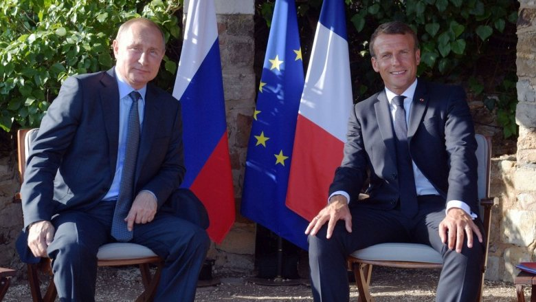 الدور الفرنسي الوسطي والوسيط على محك الملف الإيراني