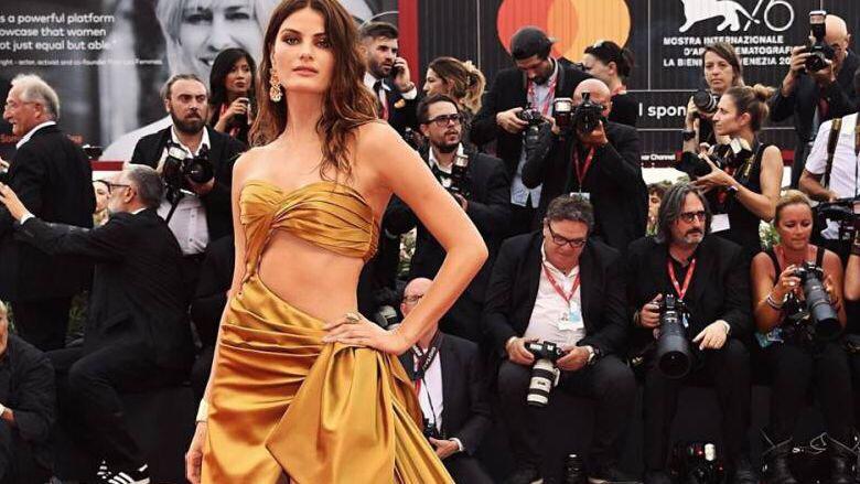 كيف كانت إطلالات اليوم الأول من مهرجان البندقيّة السينمائي؟