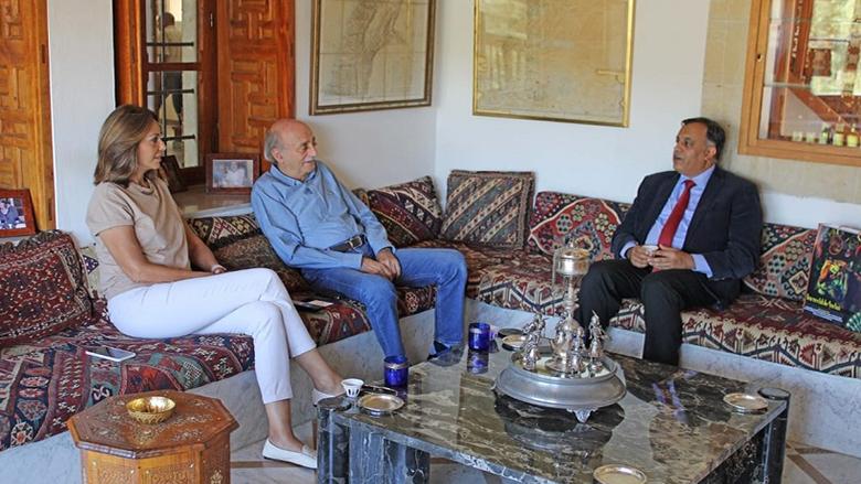 جنبلاط التقى السفير الهندي في المختارة
