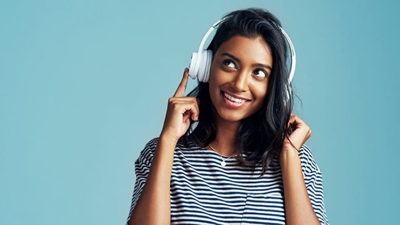 احذروا.. سماعات الرأس الحديثة تدمر السمع