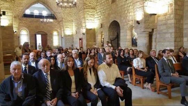 قداس وجناز عن روح الأميرة سهى في دير القمر بمشاركة جنبلاط