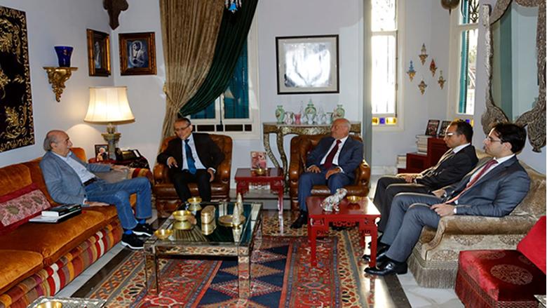 جنبلاط إستقبل سفير مصر وعرض معه الأوضاع