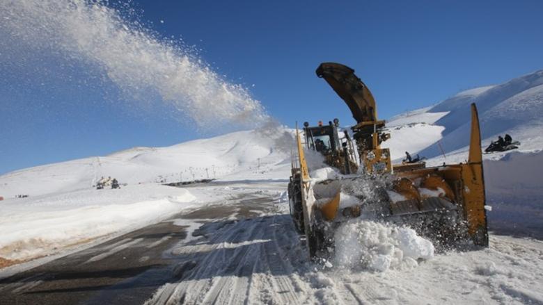 الشتاء على الابواب... وموظفو جرف الثلوج بلا رواتب السنة الماضية