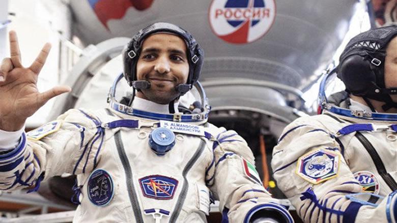 هزاع المنصوري يدون اسمه ضمن 239 زائرا لمحطة الفضاء الدولية