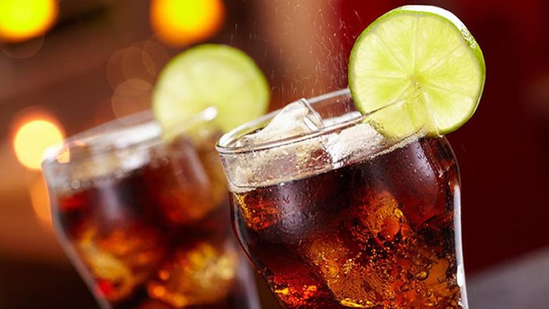 المشروبات الغازية المحلاّة قد تزيد خطر الوفاة المبكرة