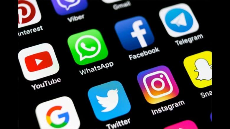 """وسائل تواصل أم """"تفاصل"""" اجتماعي؟"""