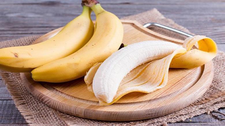 لهذه الأسباب لا ترموا قشور الموز