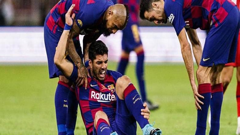 برشلونة يحدد فترة غياب سواريز بعد جراحة الركبة