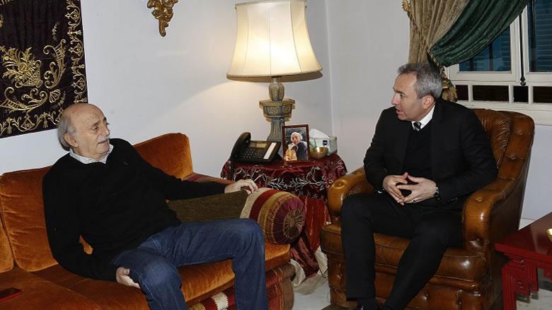 جنبلاط استقبل سفيري بريطانيا والصين وأبرق إلى العاهل السعودي معزياً