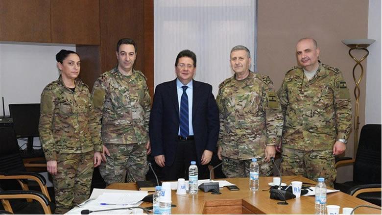 وفد من قيادة الجيش زار كنعان لشكره على إلغاء المادة 34 من الموازنة