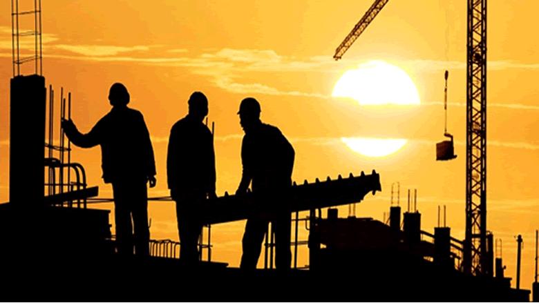 هل يُنصف المشرّع اللبناني شرائح العمال في حقوقهم؟