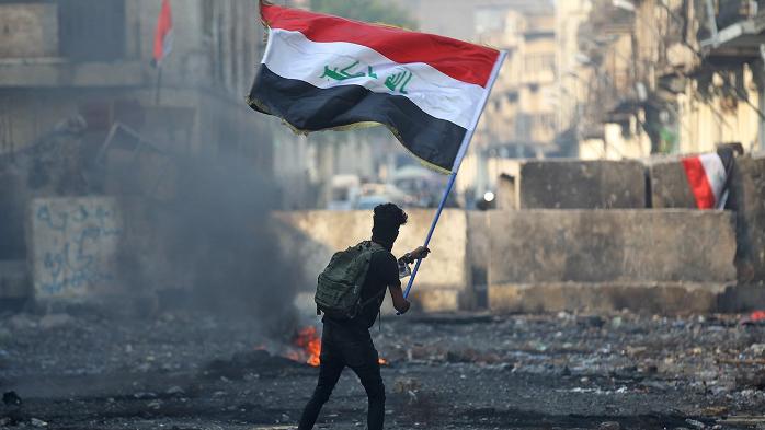 الإنتفاضة العراقية تستذكر ضحاياها في الشارع.. والكاظمي يتوعّد المتورّطين بالدم