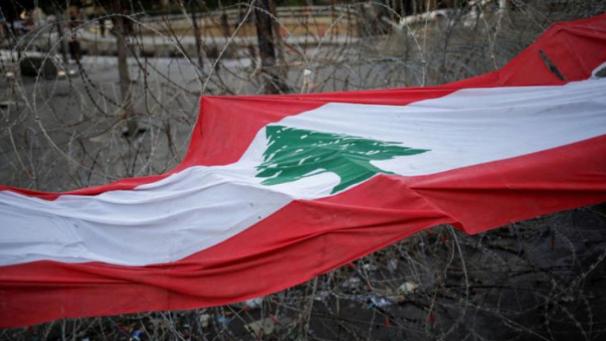 لبنان وسط تحالف الكوارث.. حرائق.. ووباء.. وأسعار جنونية