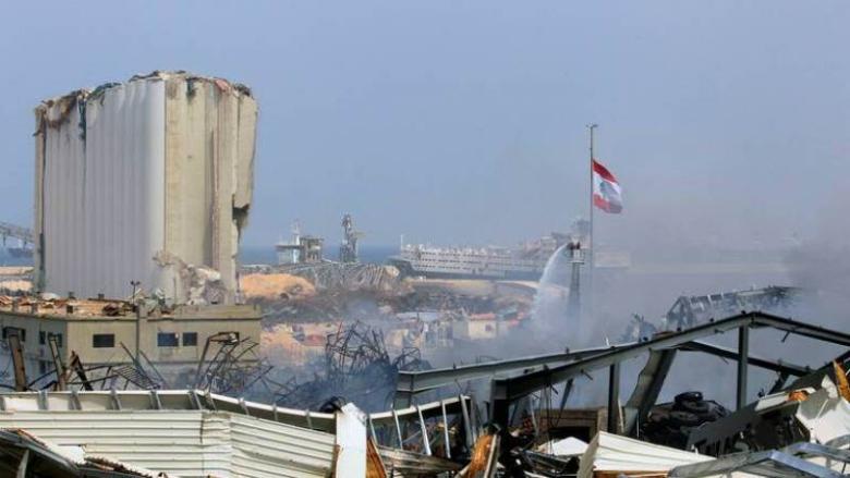 بالفيديو: زوبعة هوائية تضرب مرفأ بيروت