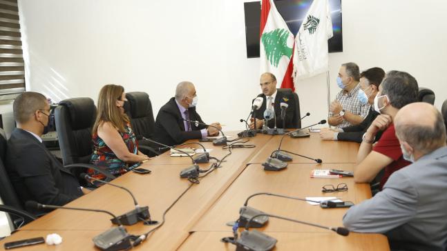 وزير الصحة اتصل بعون ووزني طالباً استثناء القطاع الصحي من التعميم الأخير لمصرف لبنان
