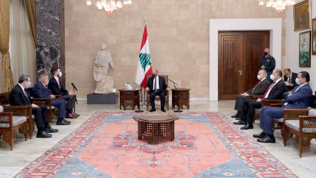 النائب جنبلاط أعلن تسمية الحريري: لمحاولة إنقاذ البلد من الانهيار ودعماً للمبادرة الفرنسية