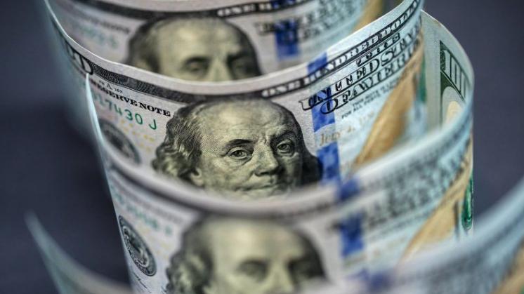 توقعات باستمرار إنحسار سعر صرف الدولار مقابل الليرة