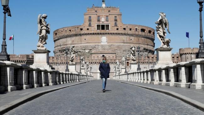 إيطاليا تفرض إقفالاً مسائياً للحد من التفشي المتسارع لكورونا