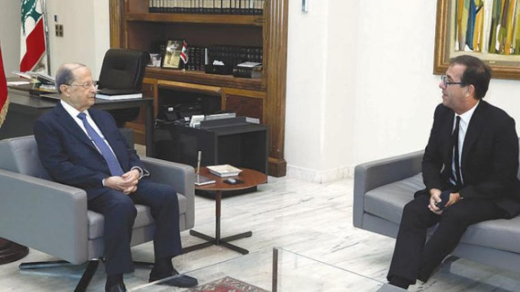 عون يرفض حكومة اللون الواحد ومتمسك بالمبادرة الفرنسية