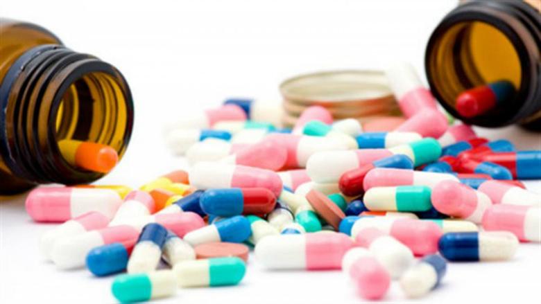 """الأدوية تختفي لأن """"ما عم توفّي مع الشركات""""... ونقيب الصيادلة لـ""""الأنباء"""": نتجه نحو كارثة"""