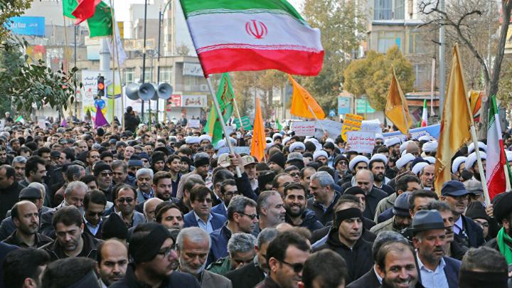بالفيديو: إحتجاجات مناهضة للنظام الإيراني في طهران