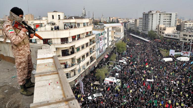 إيران المتأزمة عشية الذكرى الأولى لإحتجاجات نوفمبر