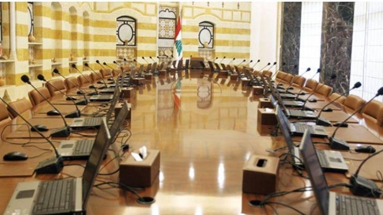 """المساعدات دخلت في """"الكوما""""... ولقاءات من دون حسمٍ حكوميّ"""