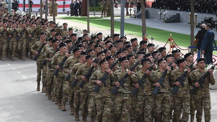 عيد الإستقلال هذا العام بلا عرض عسكري