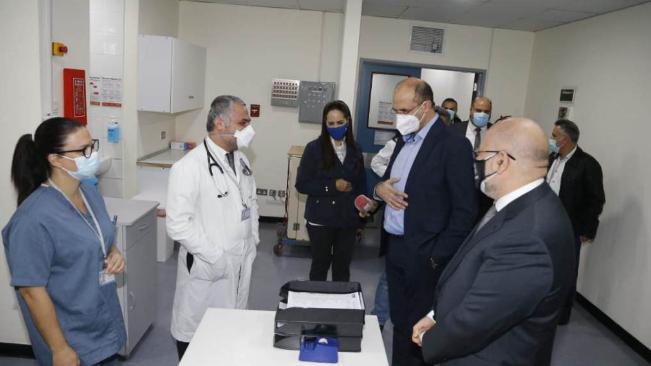 وزير الصحة إفتتح قسما للكورونا في مستشفى الحريري