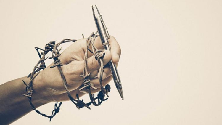 الحريّات في لبنان مجدّداً بخطر... نقيب المحرّرين للأنباء: عدم توقيع بيان مؤتمر حرية الإعلام يسيء إلى سمعة لبنان