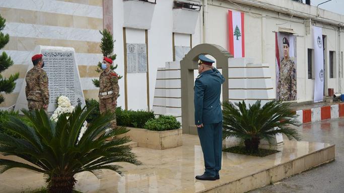 تلاوة أمر اليوم في الذكرى الـ77 للإستقلال في اليرزة وفي قيادات المناطق والمعاهد