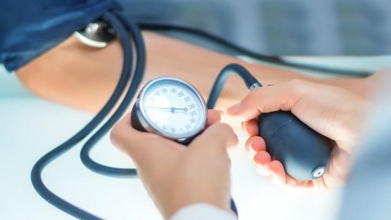 4 أعشاب طبيعية تساعد على خفض ضغط الدم المرتفع