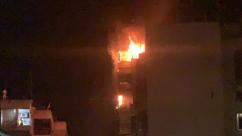 بالصور: حريق في أحد أبنية بيروت