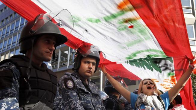 لماذا بدأ اللبنانيون يخافون من الدولة؟