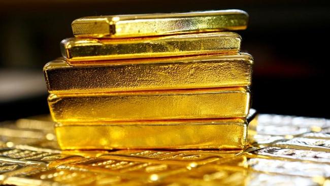 الذهب نحو تسجيل أسوأ أداء شهري في أربع سنوات